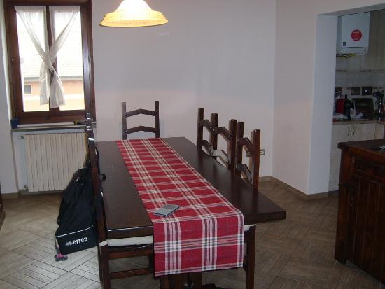 Appartamento in buone condizioni in vendita Rif. 9990698
