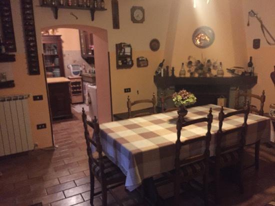 Casa Indipendente in buone condizioni in vendita Rif. 9990652