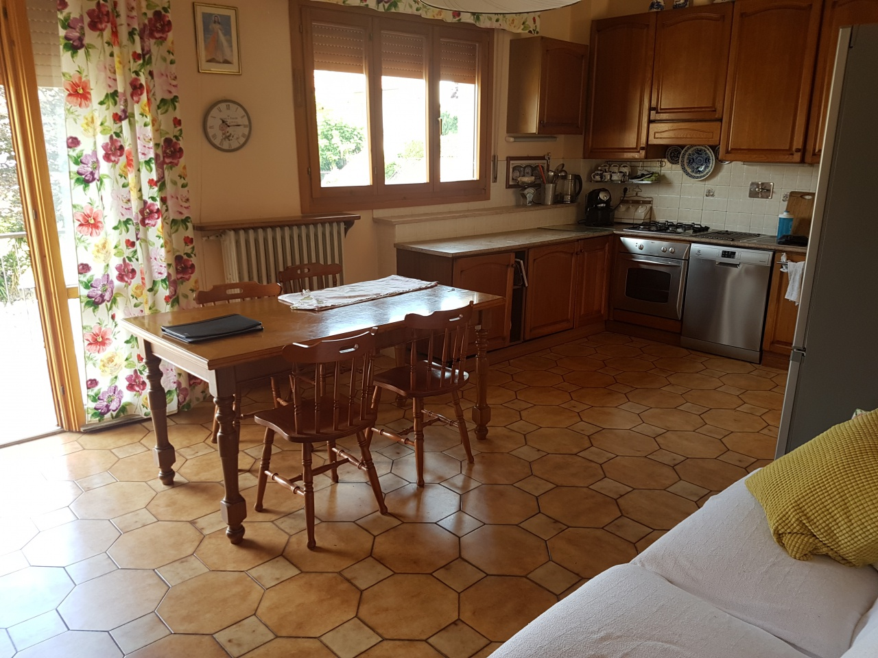 Casa Indipendente in buone condizioni in vendita Rif. 9990847