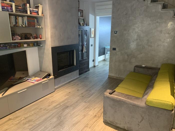 Casa Indipendente in ottime condizioni in vendita Rif. 10497901