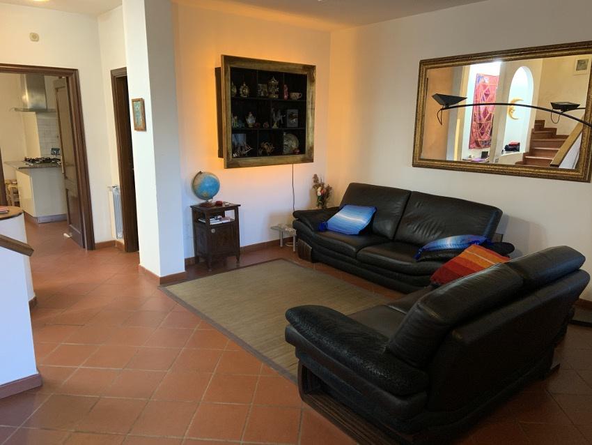 Casa Indipendente in buone condizioni in vendita Rif. 11533047
