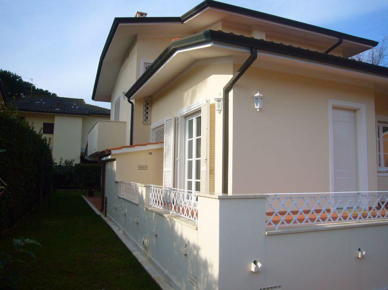 Attività commerciale in ottime condizioni arredato in affitto Rif. 9251220