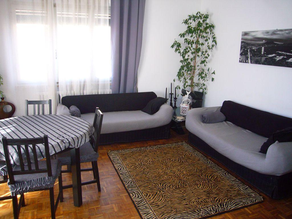 Attività commerciale in buone condizioni arredato in affitto Rif. 9298688