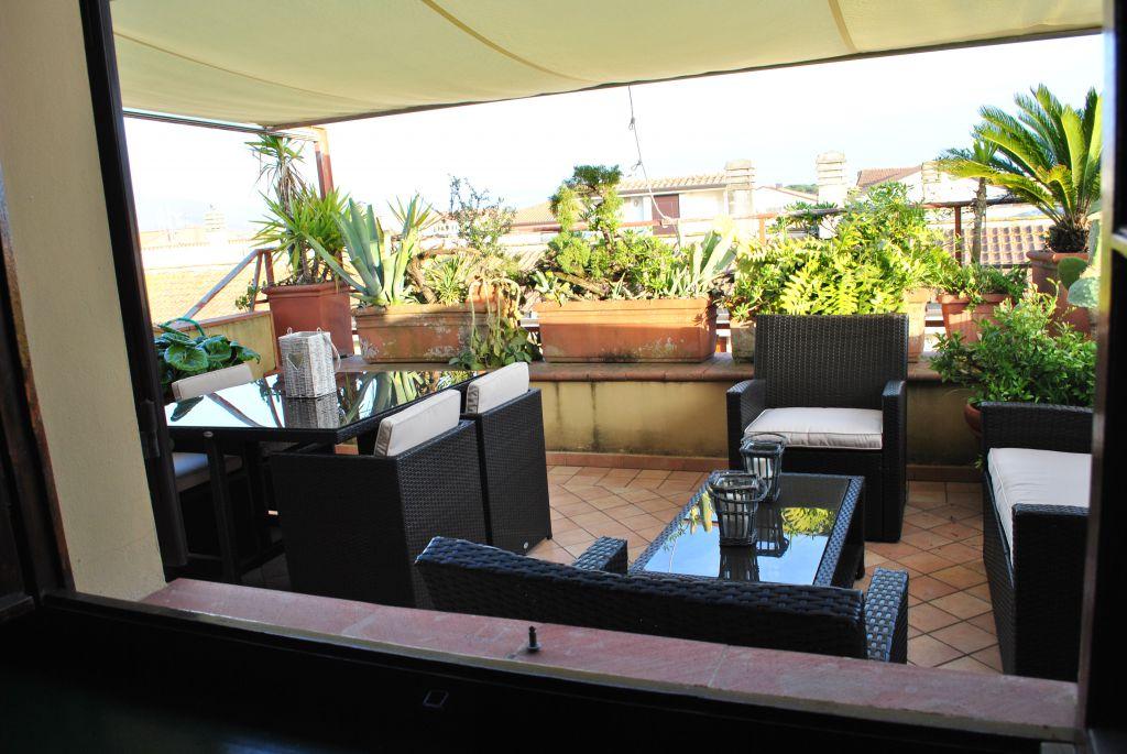 Attico / Mansarda in affitto a Forte dei Marmi, 3 locali, zona Località: forte dei marmi, prezzo € 12.000 | Cambio Casa.it