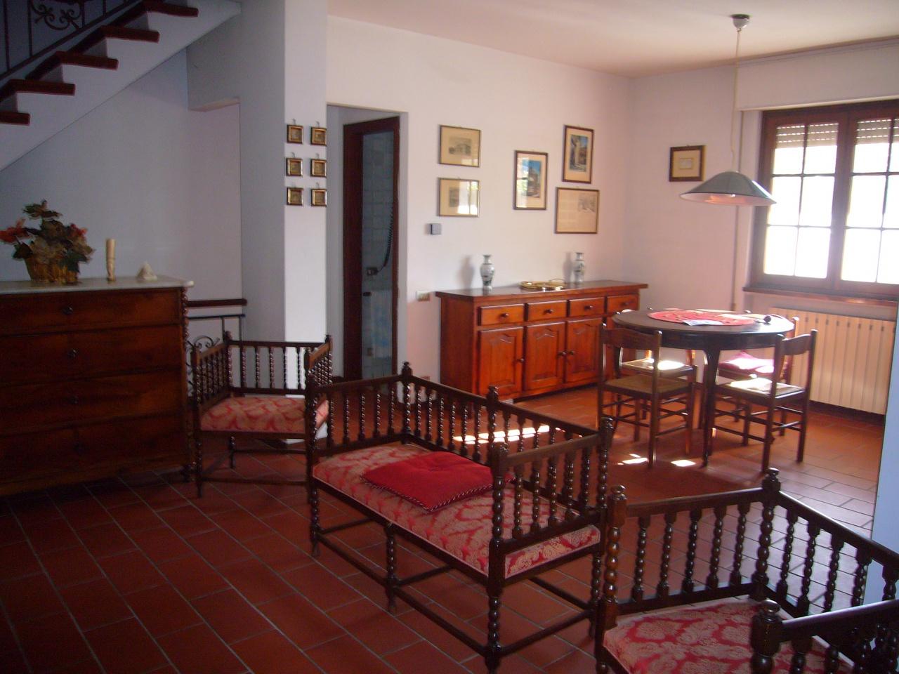 vendita villa bifamiliare in pietrasanta lu