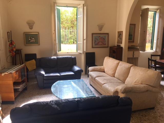 Appartamento in buone condizioni arredato in affitto Rif. 6456152