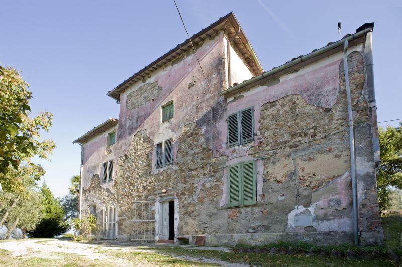 Rustico / Casale da ristrutturare in vendita Rif. 10038184