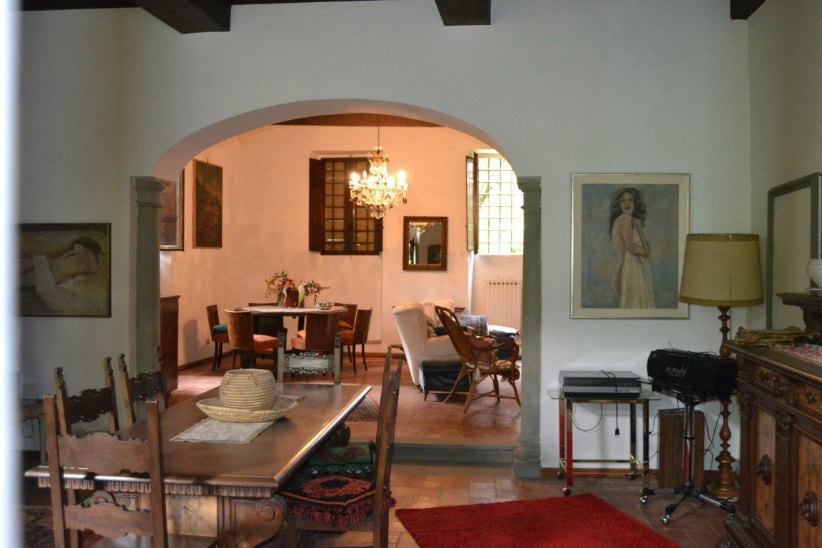 Villa in vendita a Rignano sull'Arno, 10 locali, prezzo € 1.350.000 | CambioCasa.it