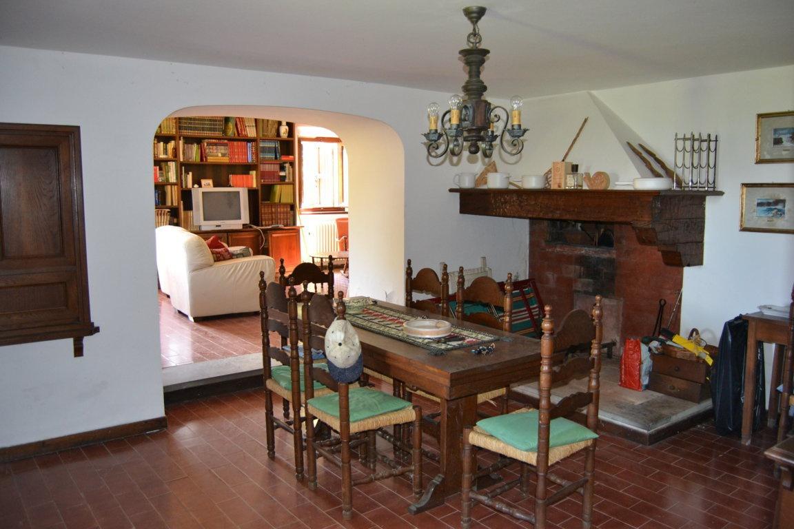 Rustico / Casale in buone condizioni arredato in vendita Rif. 10038190