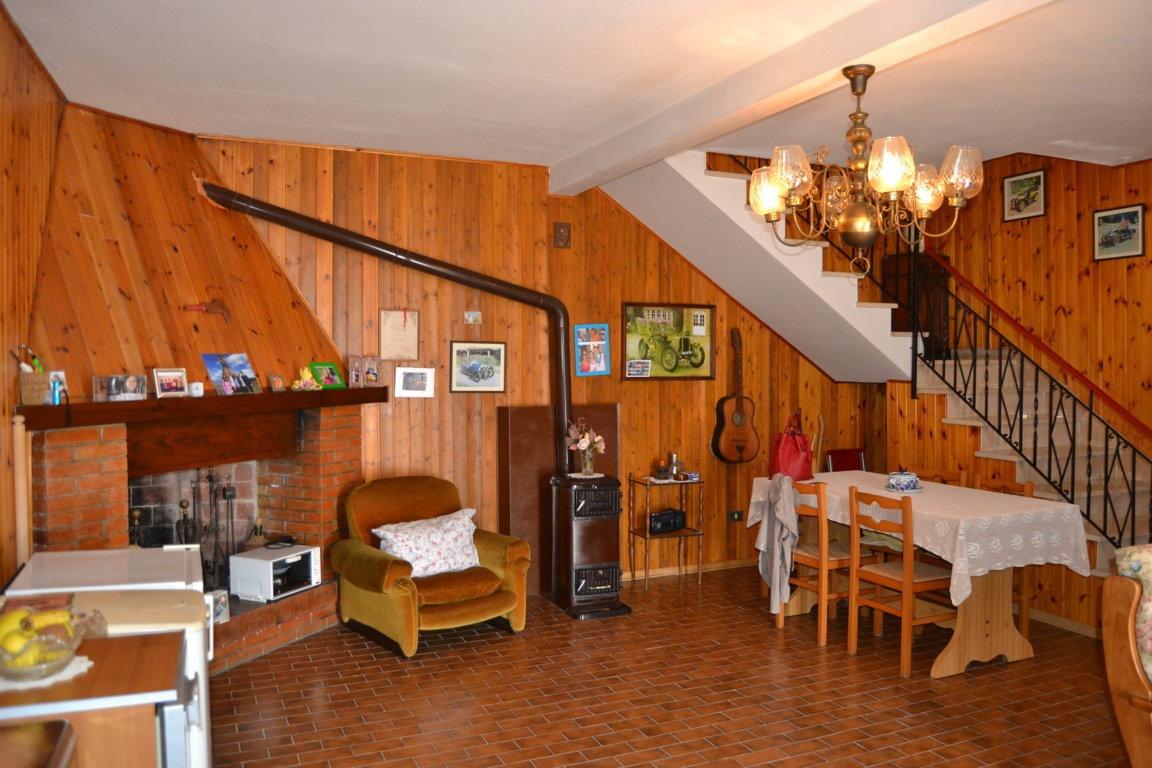 Casa Indipendente da ristrutturare arredato in vendita Rif. 10741612