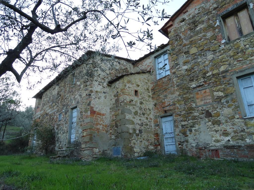 Rustico / Casale in vendita a Quarrata, 12 locali, zona Località: PIEDE COLLINARE, prezzo € 640.000 | Cambiocasa.it