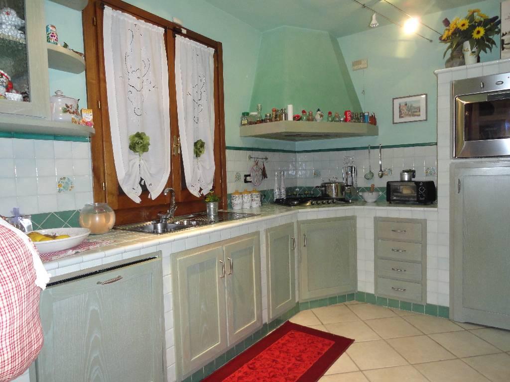 Villa a Schiera in vendita a Quarrata, 8 locali, zona Località: QUARRATA, prezzo € 480.000   Cambiocasa.it