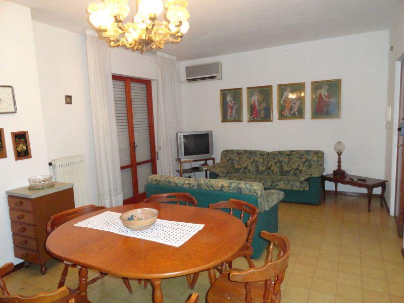 Appartamento in buone condizioni arredato in vendita Rif. 11273806