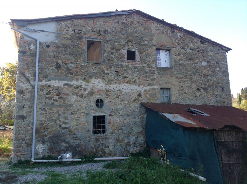 Rustico / Casale in discrete condizioni in vendita Rif. 10296053