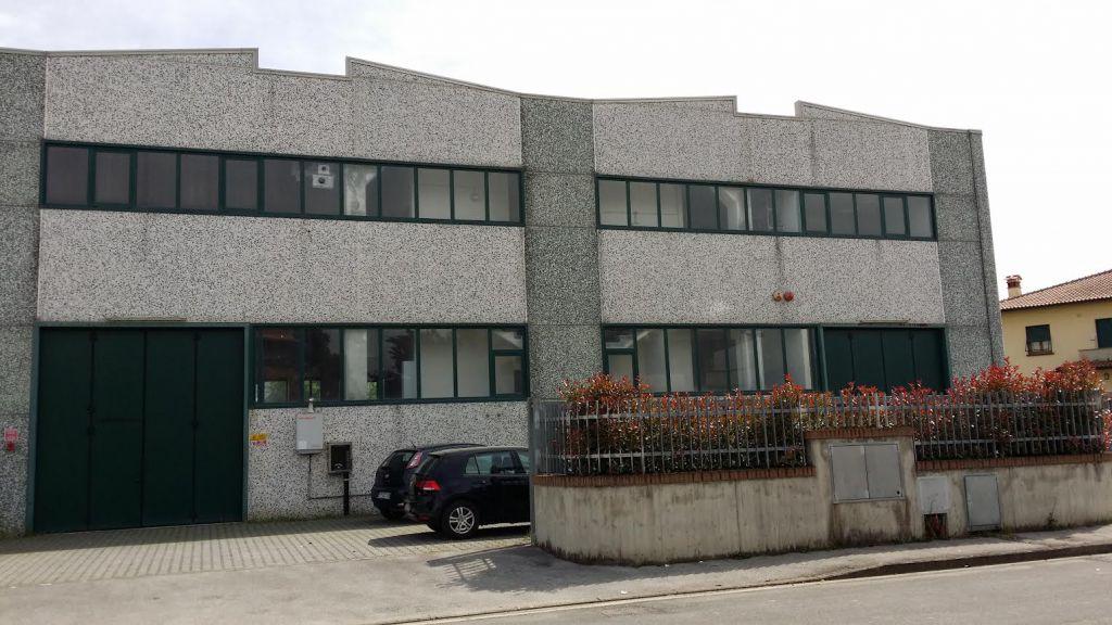 Capannone in affitto a Serravalle Pistoiese, 9999 locali, zona Zona: Casalguidi, prezzo € 1.200 | Cambiocasa.it