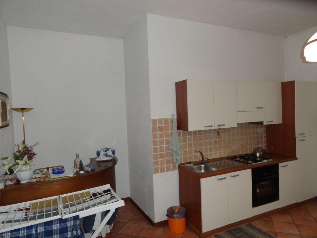 Appartamento in buone condizioni arredato in vendita Rif. 10386182