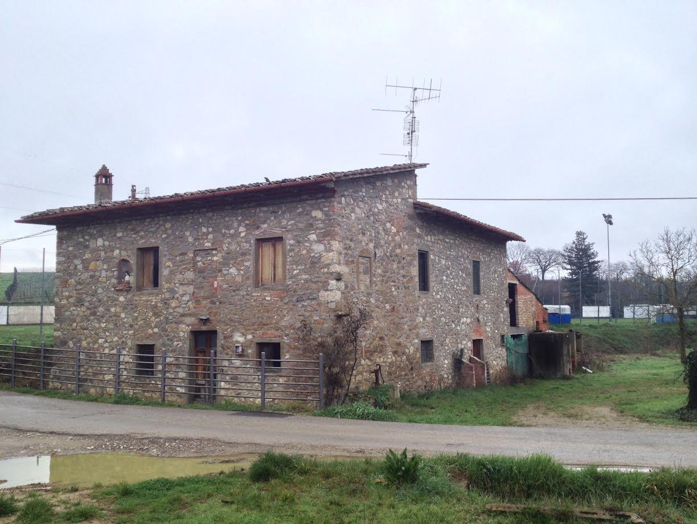 Colonica in vendita a Bucine (AR)