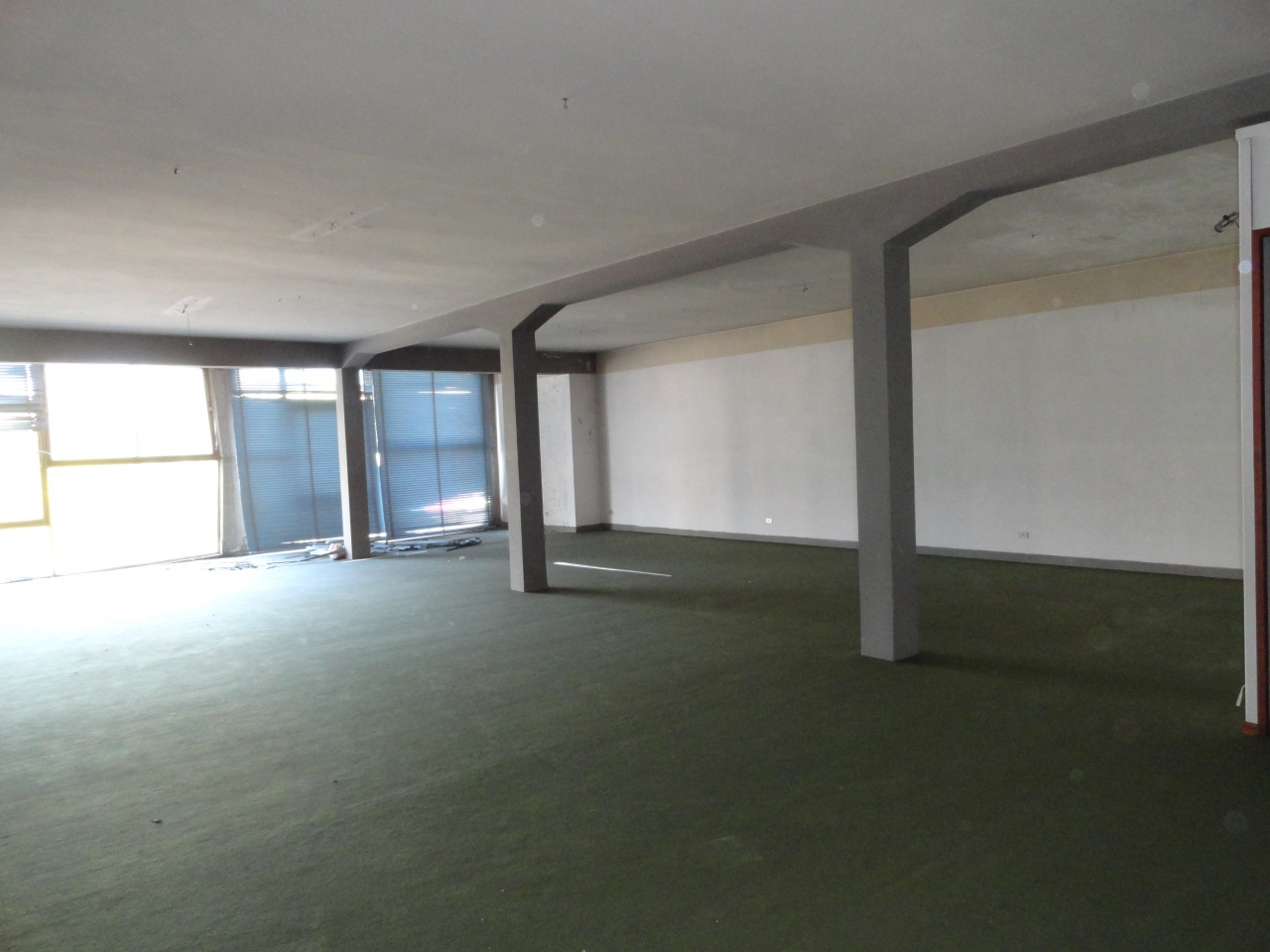 Magazzino - capannone in discrete condizioni in vendita Rif. 7885884