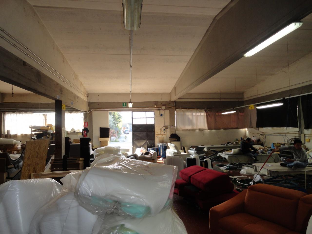Magazzino - capannone in buone condizioni in vendita Rif. 7885808
