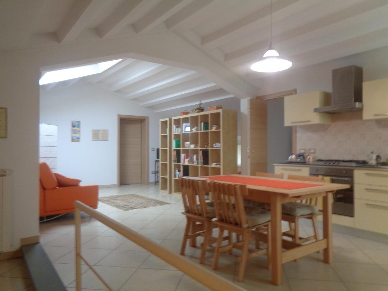 Appartamento ristrutturato in vendita Rif. 10386237