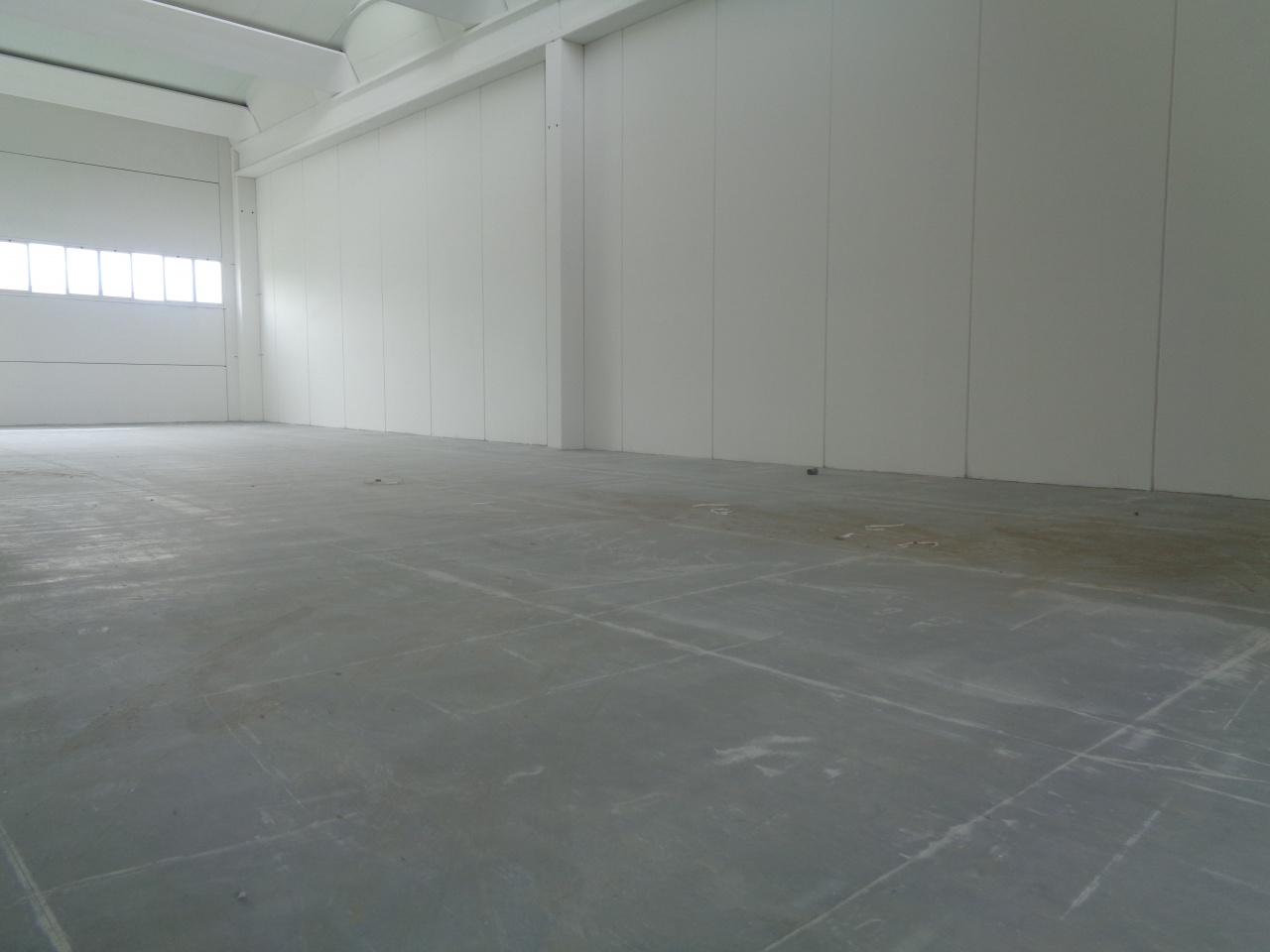 Magazzino - capannone in affitto Rif. 10386247