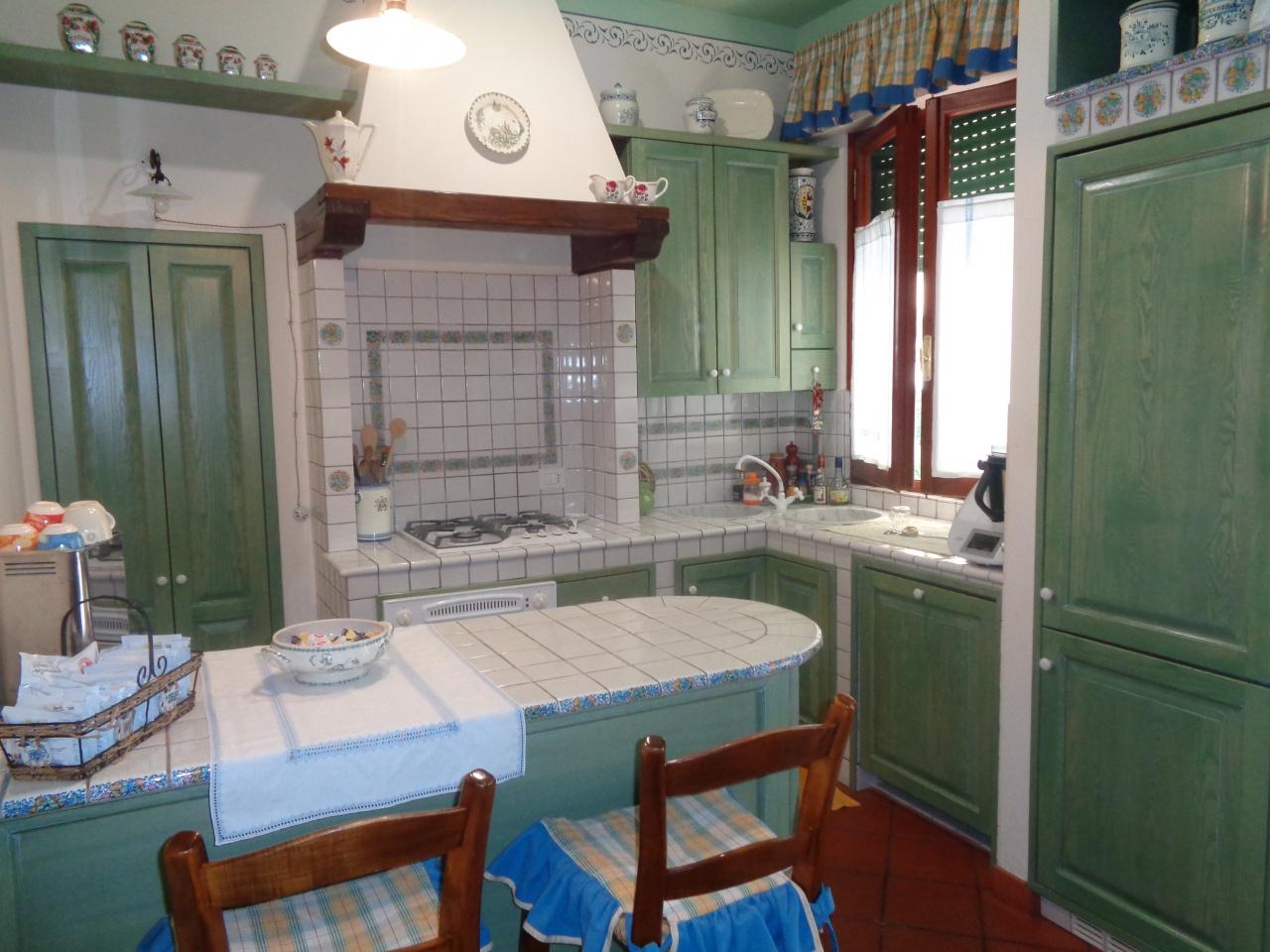 Appartamento ristrutturato arredato in vendita Rif. 10450919