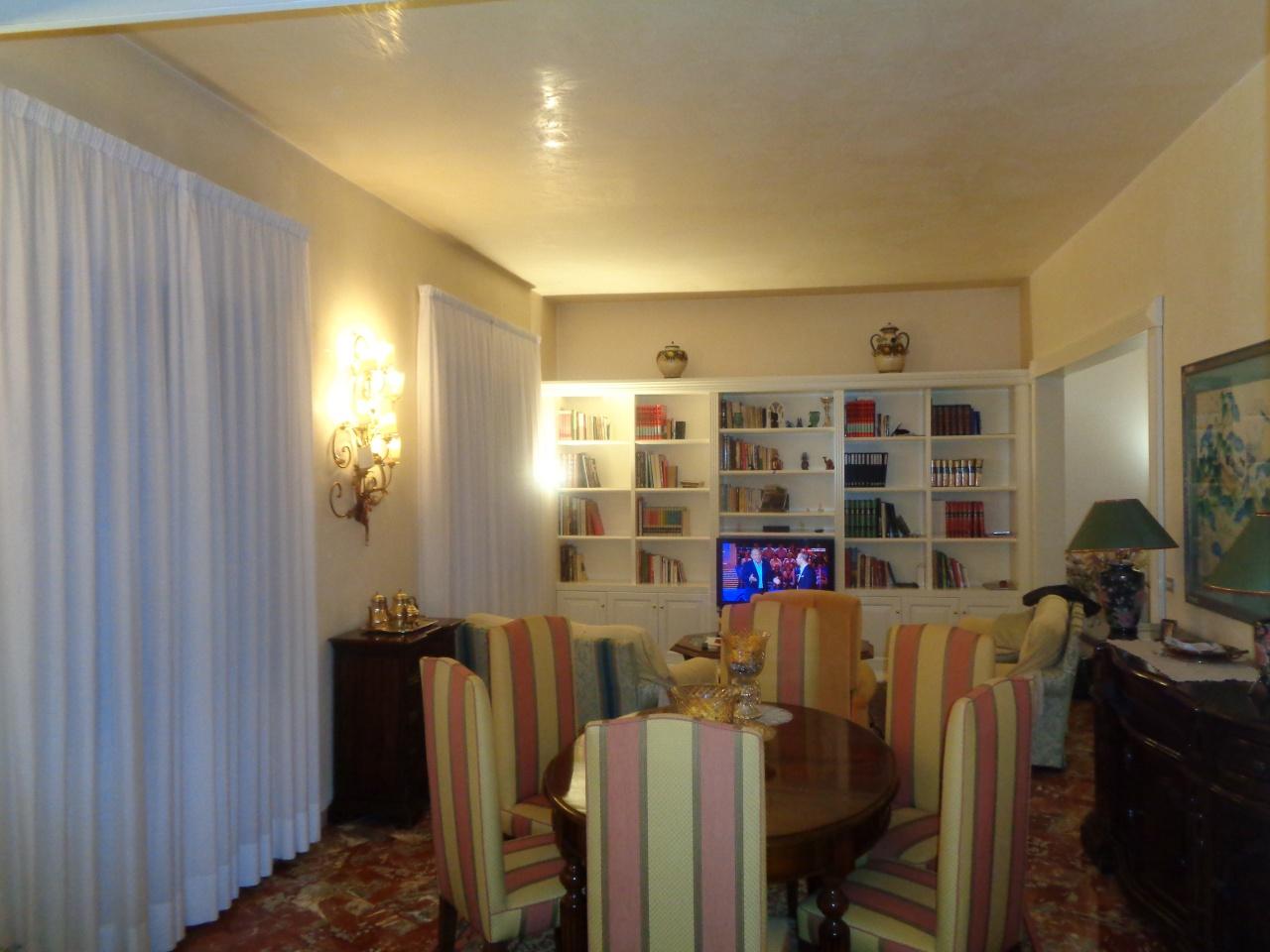 Villa singola PRATO 483