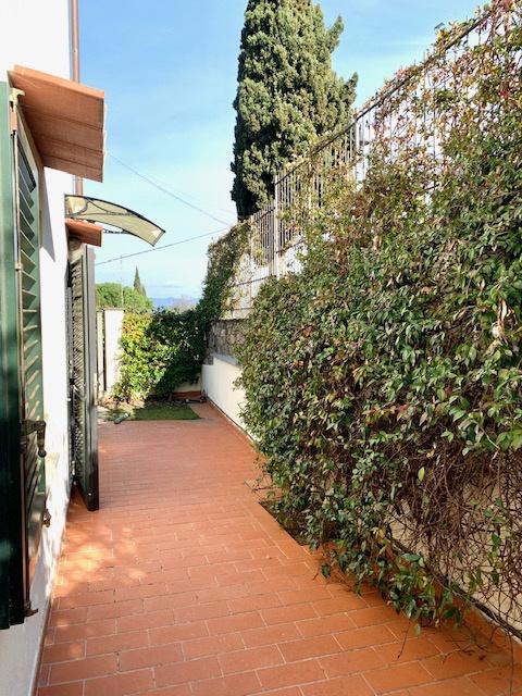 Appartamento in vendita a Fiesole, 3 locali, prezzo € 235.000 | CambioCasa.it