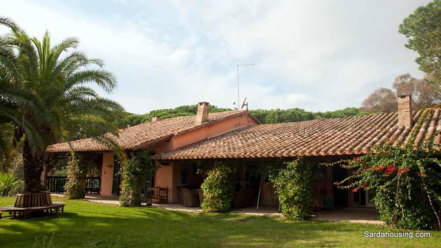 vendita villa pula   2300000 euro  10 locali  280 mq