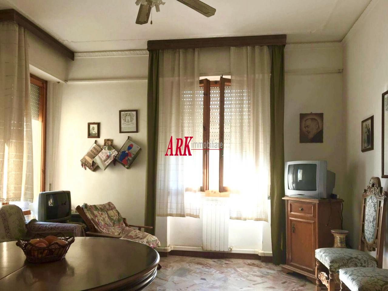 vendita appartamento campi bisenzio centro  180000 euro  3 locali  71 mq