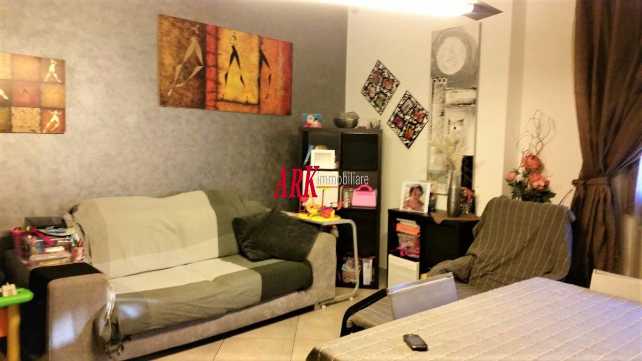 Appartamento in buone condizioni in vendita Rif. 8840197