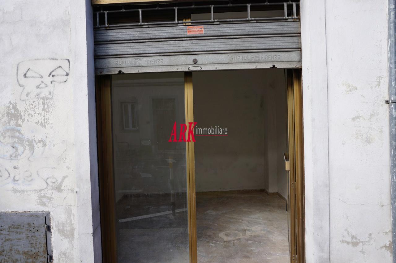 Terreno Commerciale in buone condizioni in affitto Rif. 9281525