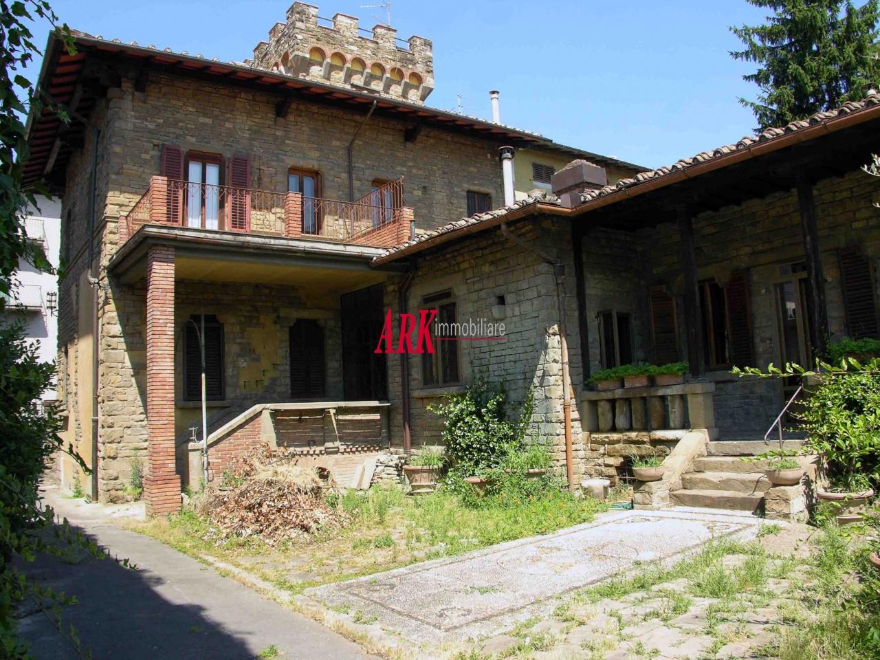 Villa da ristrutturare in vendita Rif. 9603216