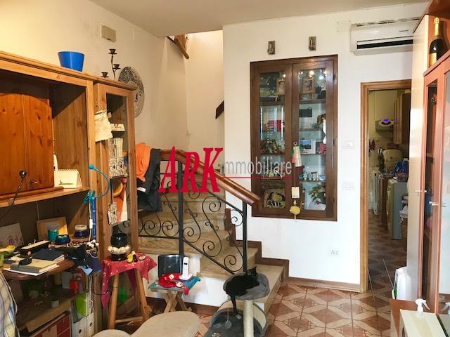 Casa Indipendente da ristrutturare in vendita Rif. 9609687