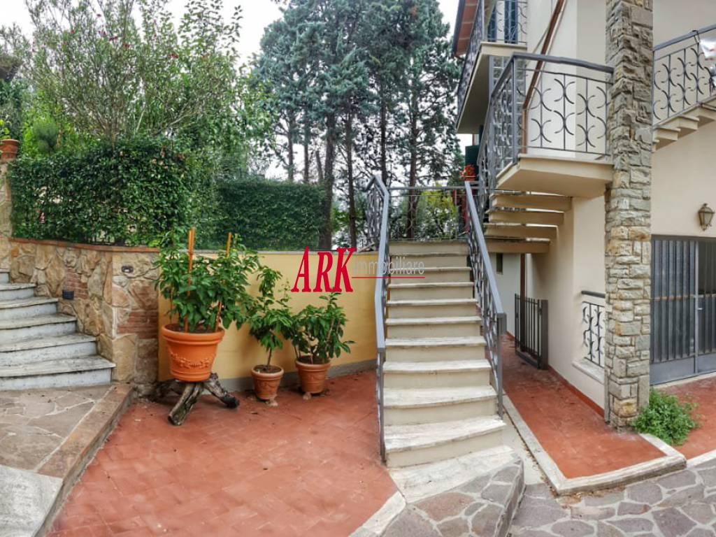 Appartamento in discrete condizioni in vendita Rif. 9780017