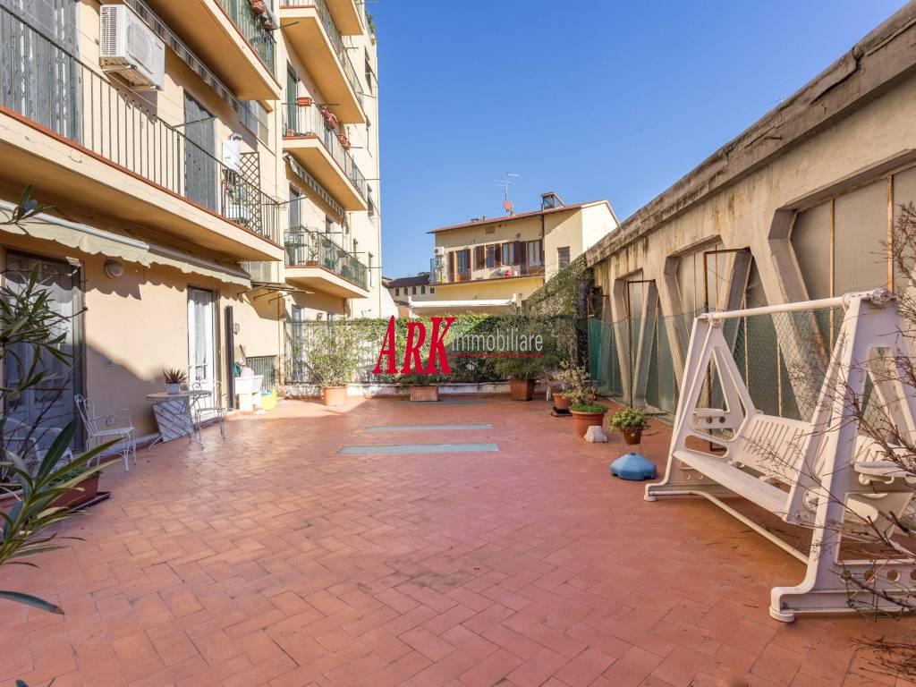 Appartamento da ristrutturare in vendita Rif. 9840073