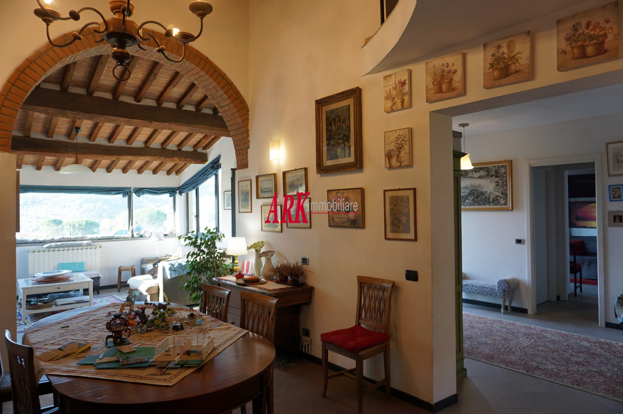 Casa Indipendente in ottime condizioni in vendita Rif. 10013849