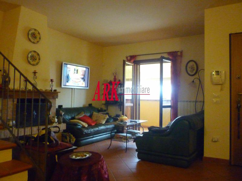 Casa Indipendente in ottime condizioni in vendita Rif. 10261004