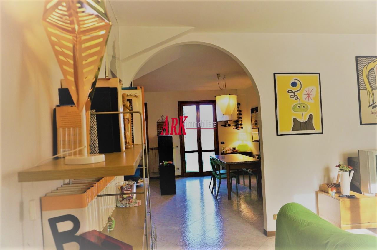 Appartamento in ottime condizioni in vendita Rif. 10922737