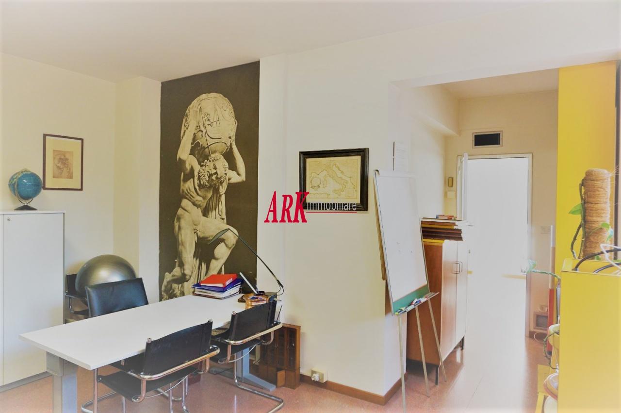 Ufficio in ottime condizioni in vendita Rif. 10957079
