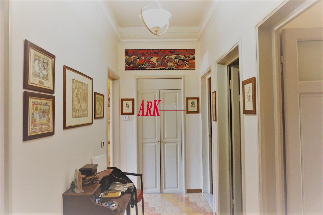 Appartamento in ottime condizioni in vendita Rif. 11117164