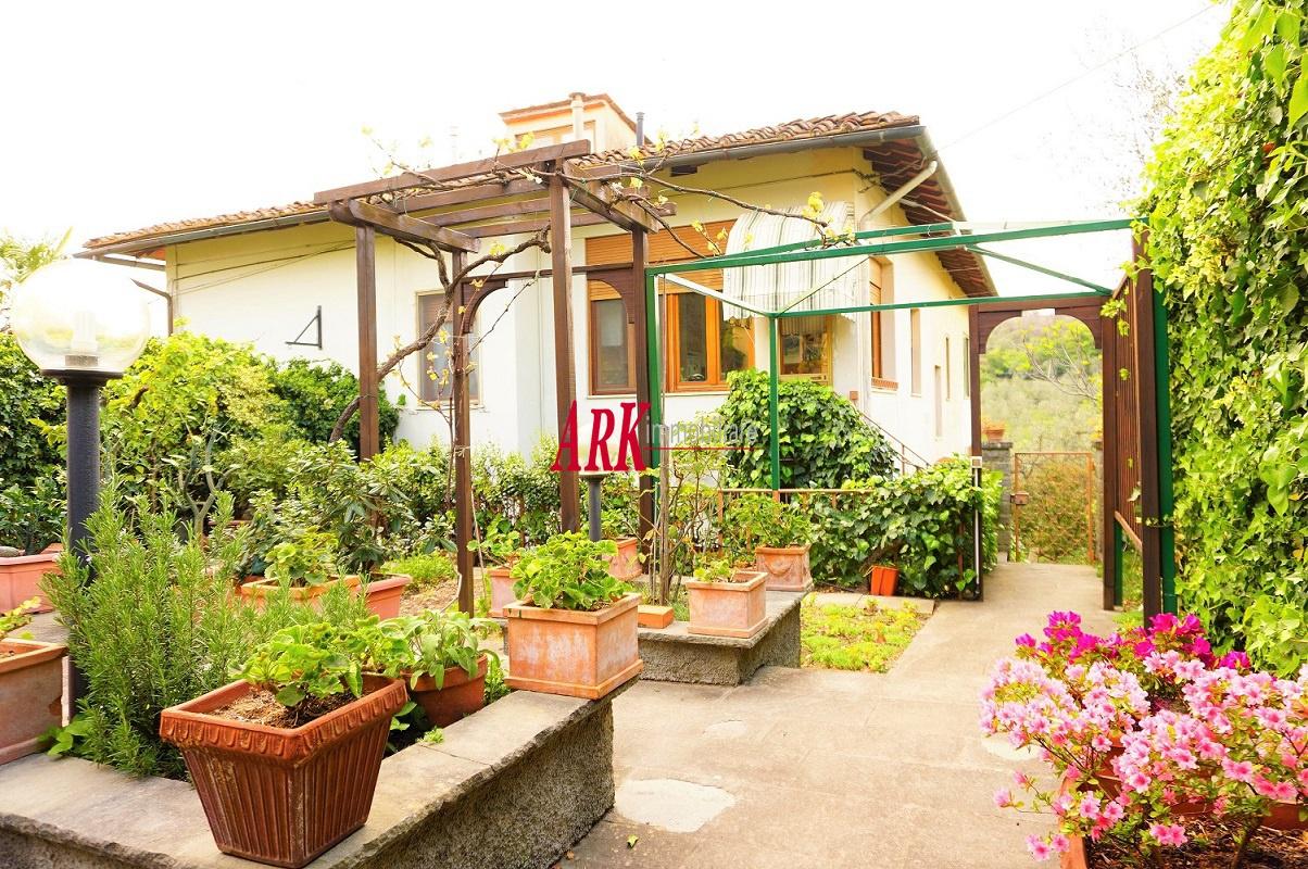 Appartamento in ottime condizioni in vendita Rif. 11117171