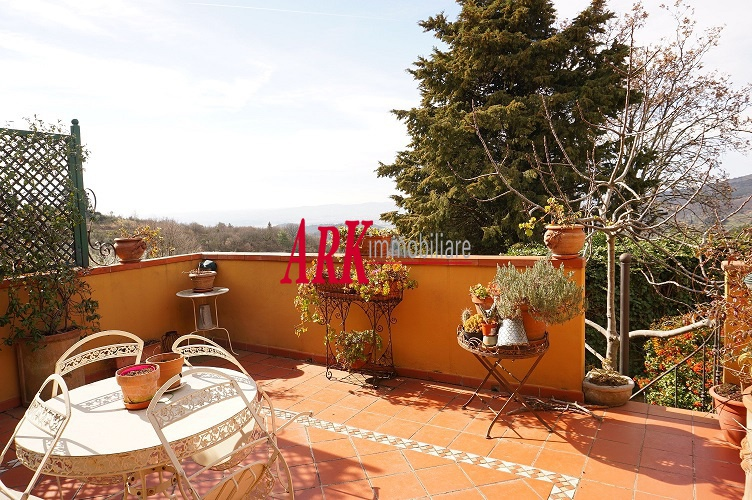 Casa Indipendente in ottime condizioni in vendita Rif. 11124626