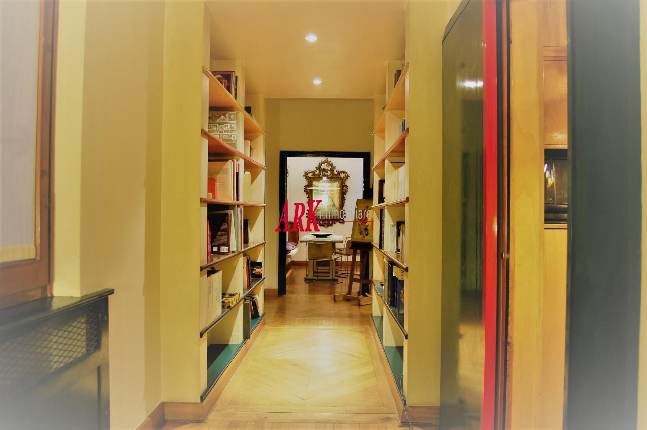 Appartamento in ottime condizioni in vendita Rif. 11124628