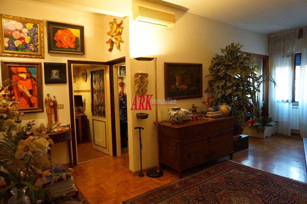 Attico / Mansarda in buone condizioni in vendita Rif. 11604117