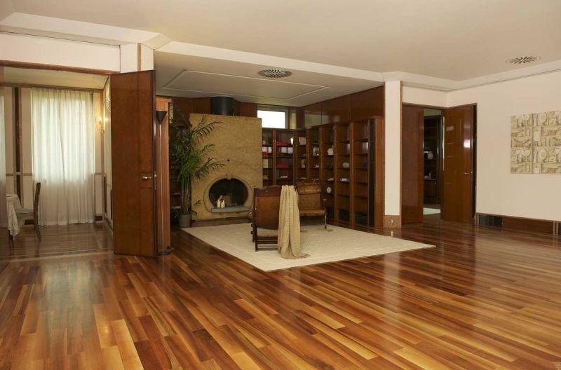 Soluzione Indipendente in affitto a Milano, 12 locali, zona Zona: 1 . Centro Storico, Duomo, Brera, Cadorna, Cattolica, Trattative riservate | Cambio Casa.it