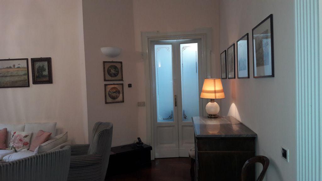 Bilocale Milano Via Mercadante 9