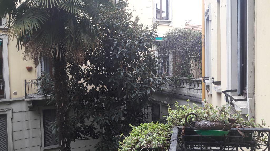 Bilocale Milano Via Mercadante 1