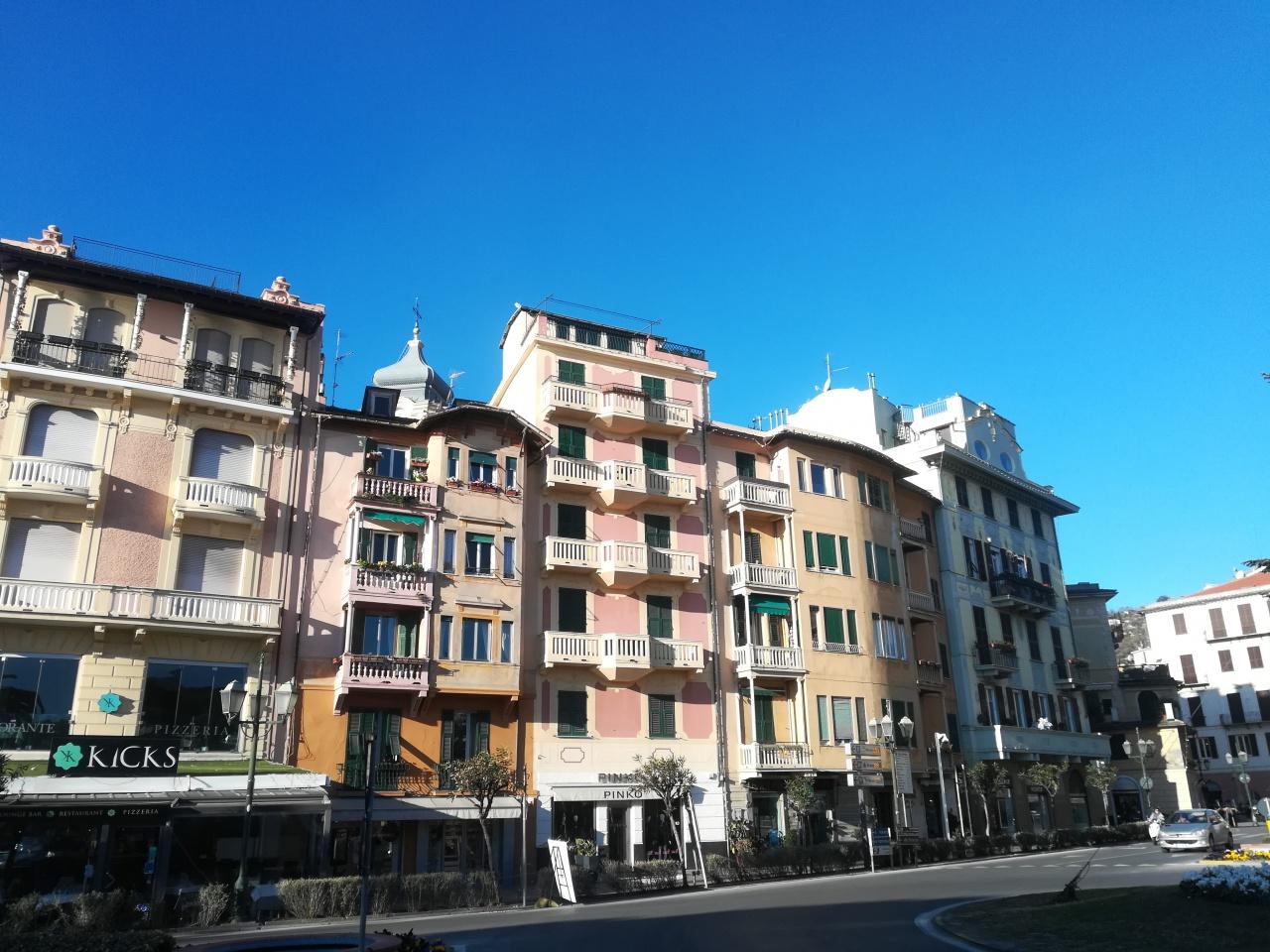 Appartamento da ristrutturare in vendita Rif. 8670099