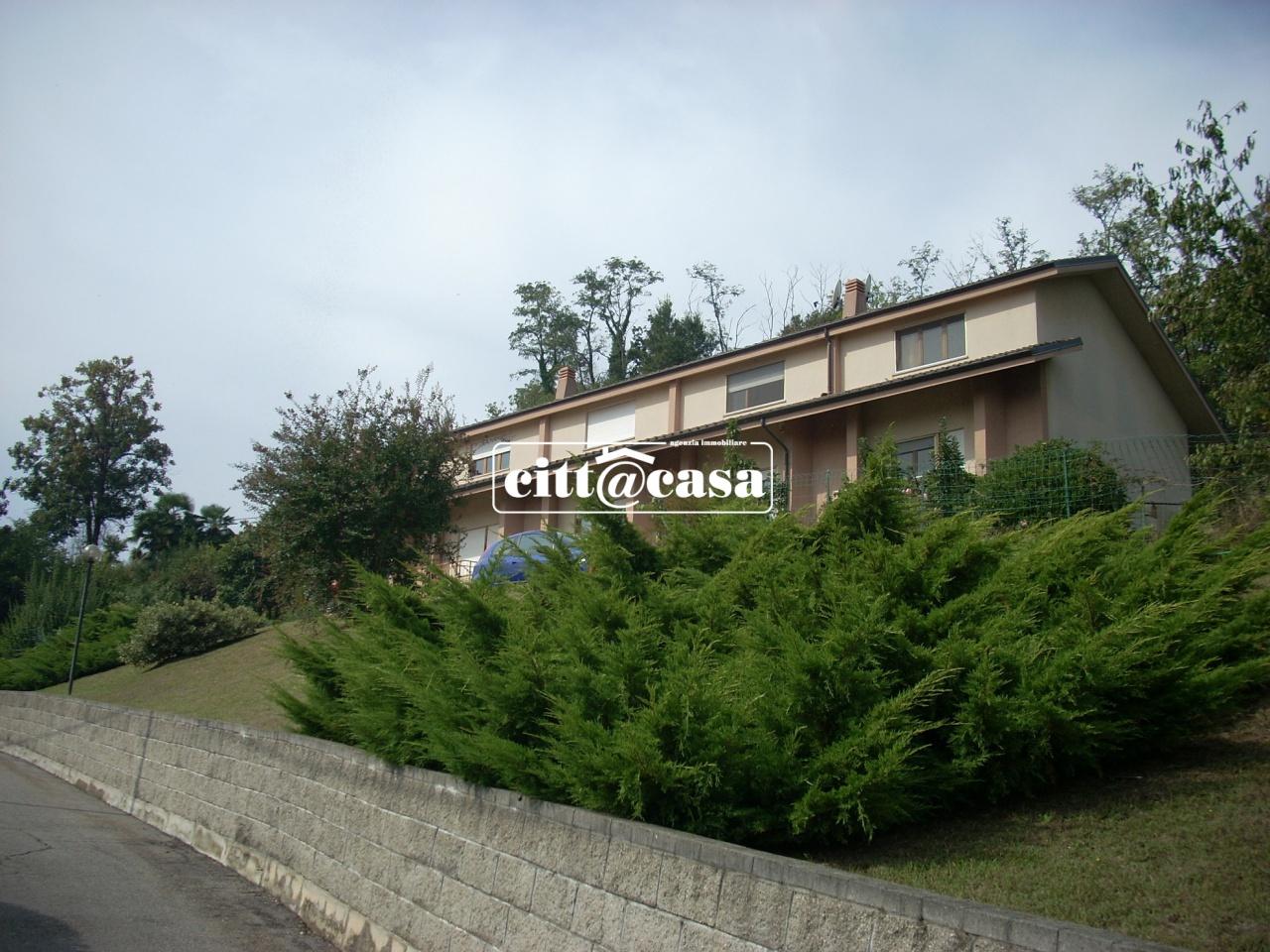 Villetta a schiera in buone condizioni in vendita Rif. 8840207